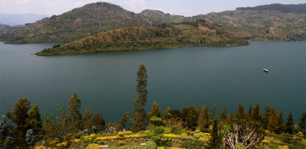 Rwanda Gorilla Tour and Lake Kivu Safari